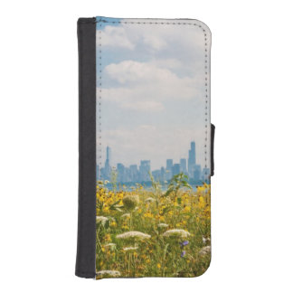 Chicago as seen from Montrose Harbor's bird iPhone SE/5/5s Wallet Case