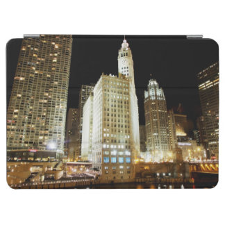 Chicago famous landmark at night iPad air cover