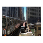 Chicago L train heading into the Loop