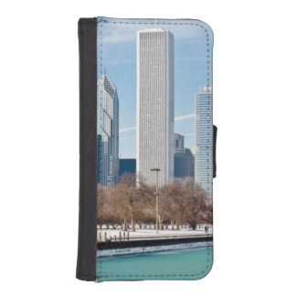 Chicago skyline across frozen Lake Michigan iPhone SE/5/5s Wallet Case