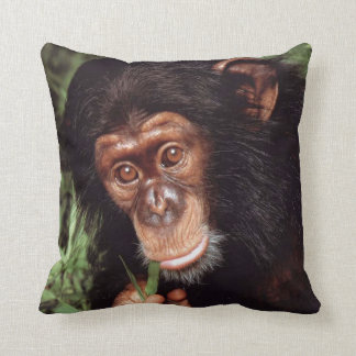 Chimpansee Throw Pillow