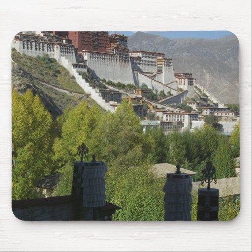 China, Tibet, Lhasa, Potala Palace 2 Mousepad