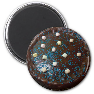 Chocolate cake 6 cm round magnet