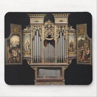 Choir organ with open panels mouse mat