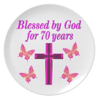 CHRISTIAN PINK 70TH BIRTHDAY CROSS DESIGN DINNER PLATES