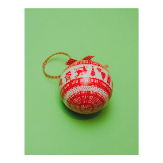 Christmas bauble on a green background 21.5 cm x 28 cm flyer