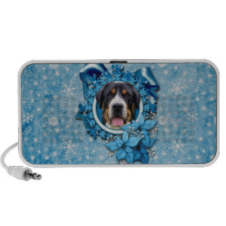 Christmas - Blue Snowflakes - Swiss Mountain Dog Mp3 Speakers