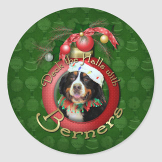Christmas - Deck the Halls - Berners Round Sticker