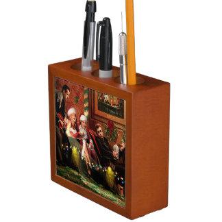 Christmas Interlude Pencil/Pen Holder