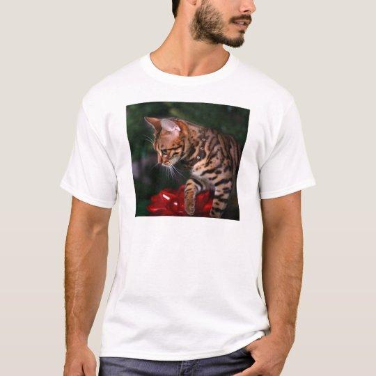 Christmas Kitty Photo (Domestic Bengal Cat) T-Shirt