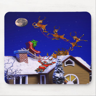 Christmas - Santa crashed on the rooftop Mouse Pad