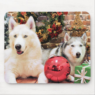 Christmas - Siberian Huskies - Bailey and Katya Mouse Pad