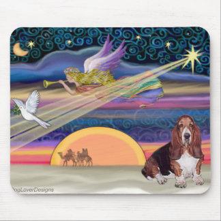 Christmas Star - Basset Hound 1 Mouse Pad