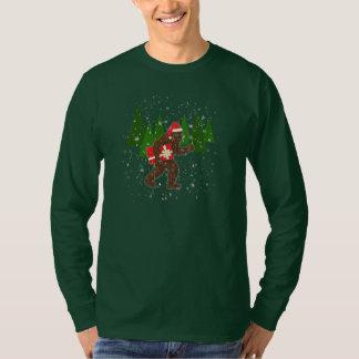 """""""Christmas with Bigfoot"""" T-Shirt"""