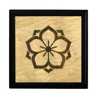 Chuinyaekikyo Japanese Kamon Cherry Blossom Wood Gift Box