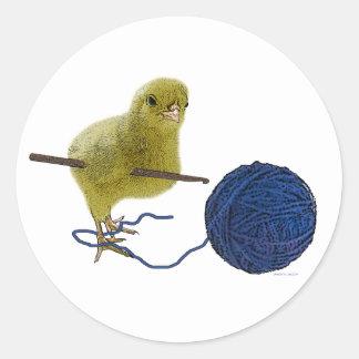 Cick who crochets round sticker