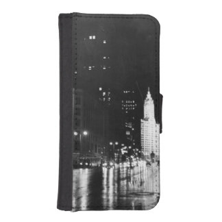 circa 1954:  A view down Michigan Avenue iPhone SE/5/5s Wallet Case