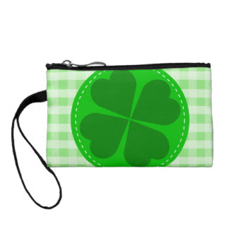 Circle hearted Shamrock w green ribbed background Coin Purse