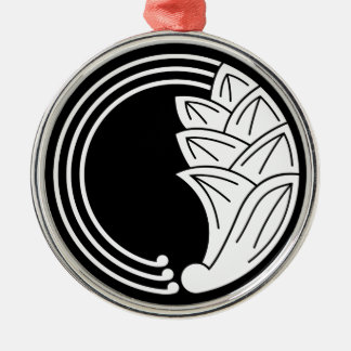 Circle of japanese ginger with vines Silver-Colored round decoration