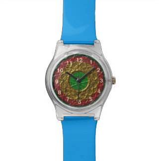 Circle pattern on green background watch