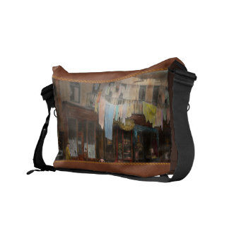 City - Elegant Apartments - 1912 Commuter Bag
