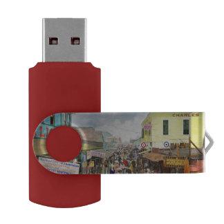 CITY - NY - The Bowery 1900 Swivel USB 2.0 Flash Drive