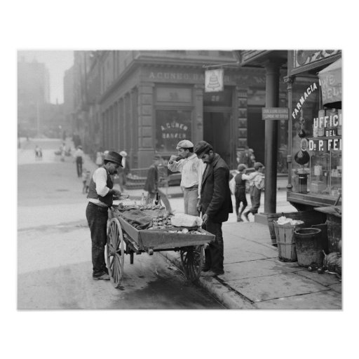 Clam Seller in Little Italy, 1906 Poster