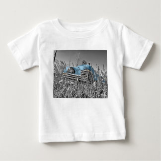 Classic Blue Car Black and White Field Tee Shirts