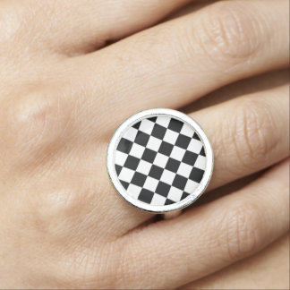 Classic Diamond Black and White Checkers Decor Ring