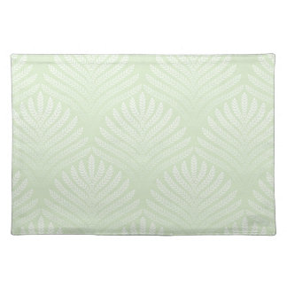 Classic foliage pattern in white and green placemat