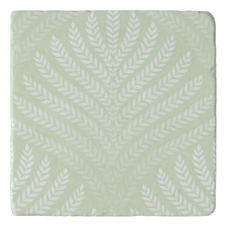 Classic foliage pattern in white and green trivet