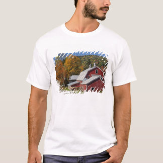 Classic rural barn and road, White Mountain T-Shirt