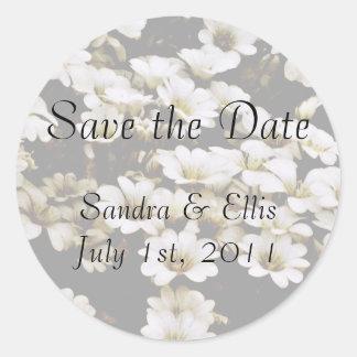 Classy Dasies Wedding Label Round Sticker