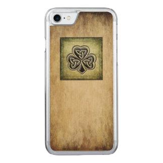 Classy grundge Irish lucky shamrock Carved iPhone 7 Case