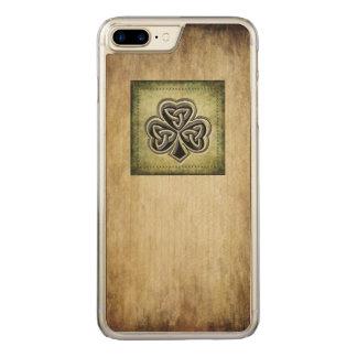 Classy grundge Irish lucky shamrock Carved iPhone 7 Plus Case