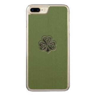 Classy grundge Irish lucky shamrock Carved iPhone 8 Plus/7 Plus Case