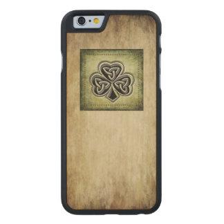 Classy grundge Irish lucky shamrock Carved Maple iPhone 6 Case