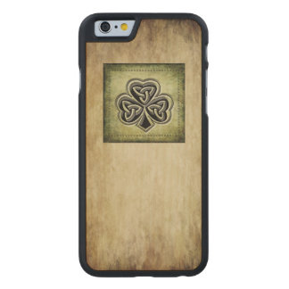 Classy grundge Irish lucky shamrock Carved® Maple iPhone 6 Slim Case