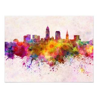 Cleveland skyline in watercolor background cojinete