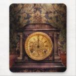 Clockmaker - Wolf Clock