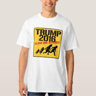 Close Our Borders - Trump 2016 T-Shirt