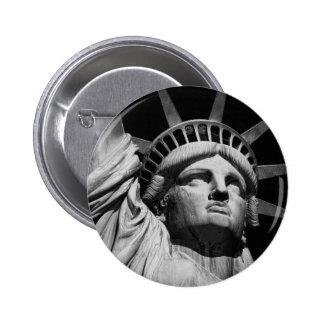 Close-up Black White Statue of Liberty New York 6 Cm Round Badge