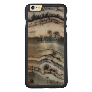 Close up of a Silver Lace Onyx Carved® Maple iPhone 6 Plus Case