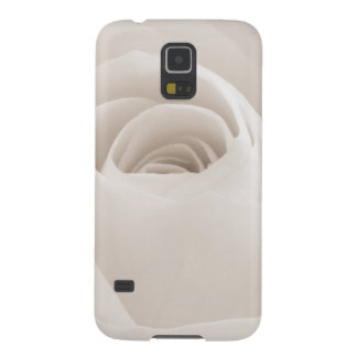 Close up of White Rose Petals Case For Galaxy S5