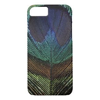 Close up view of eyespot on male peacock feather iPhone 8/7 case