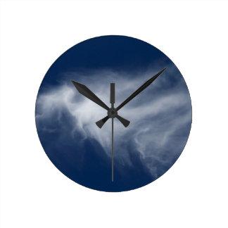 clouds in the blue sky round clock