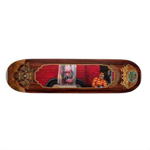 Clown - Wardrobe change Skateboard