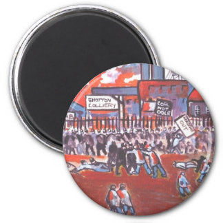 COAL MINERS STRIKE CIRCA 1984 6 CM ROUND MAGNET