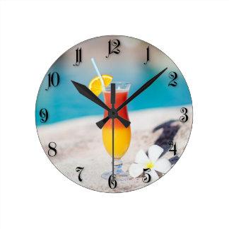 Cocktail glass round clock
