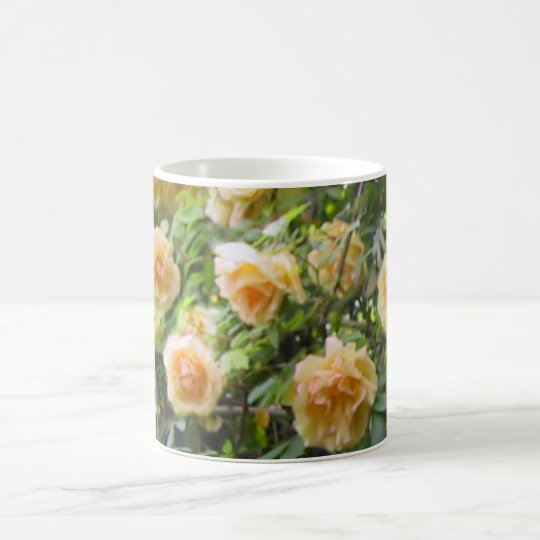 Coffee mug with roses